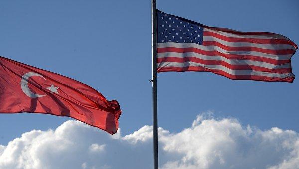 Флаги Турции и США
