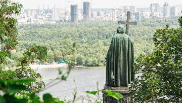 В Киеве отреставрировали памятник князю Владимиру
