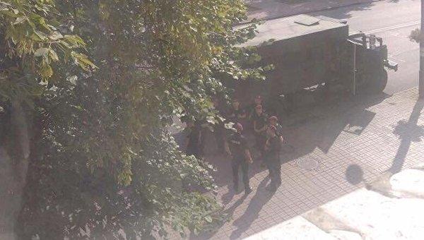Силовики под офисом ОУН в Киеве