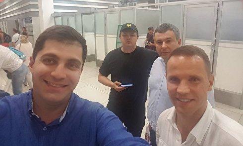 """Встреча Давида Сакварелидзе в аэропорту """"Жуляны"""" в Киеве"""
