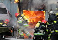 Пожар на СТО в Киеве: к тушению привлекли 17 машин. Видео