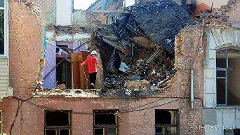 Взрыв дома в Голосеевском районе Киева. Разбор завалов