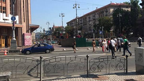 По Киеву гуляла обнаженная женщина