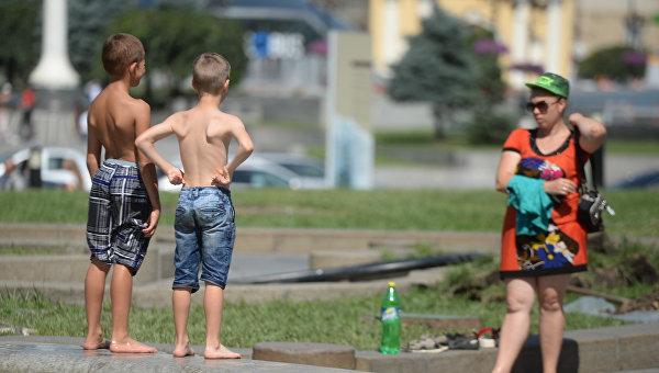 Розенко предложил работодателям поменять график работы из-за жары