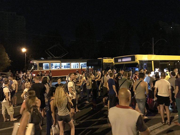 Блокирование проезда по Харьковскому шоссе
