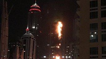 Небоскреб Torch загорелся в Дубае