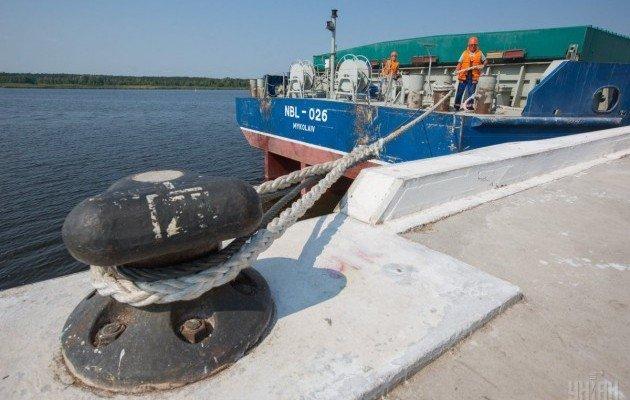 Баржа с арбузами приплыла из Херсона в Переяслав-Хмельницкий