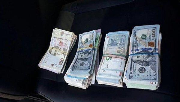 На херсонском курорте пятеро бандитов ограбили валютчика