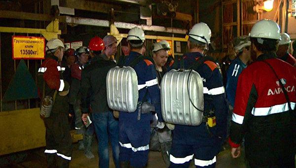 На поверхность из рудника Мир в Якутии подняли 142 шахтера