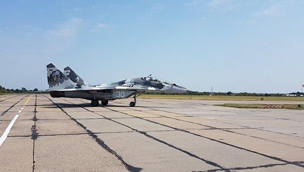 Полет Петра Порошенко на истребителе МИГ-29