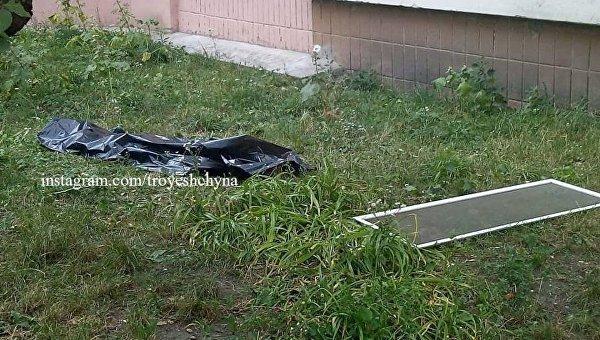 В Киеве ребенок выпал из окна высотки