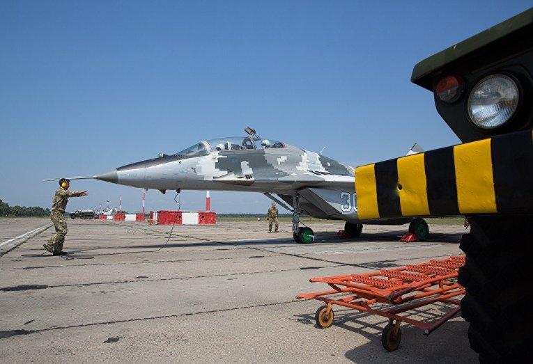 Полет Петра Порошенко на истребителе