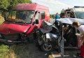 В Тернопольской области произошло лобовое столкновение автомобилей, два человека погибли на месте