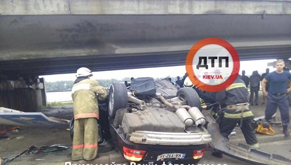 В Киеве на Набережном шоссе произошло ДТП