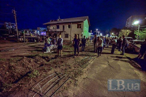 Противостояние на парковке на ул. Братиславской в Киеве