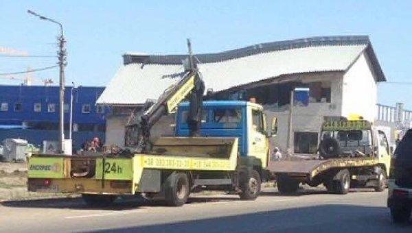 На месте конфликта киевлян со строителями