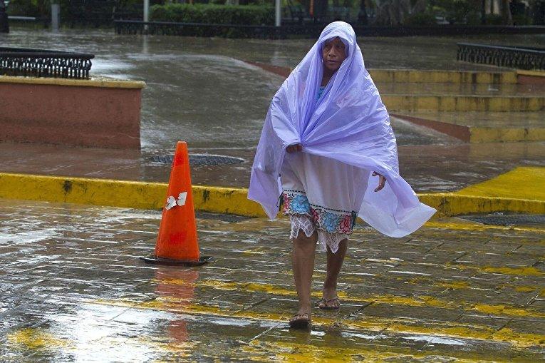 Тропический шторм Франклин вторгся на полуострове Юкатан в Мексике