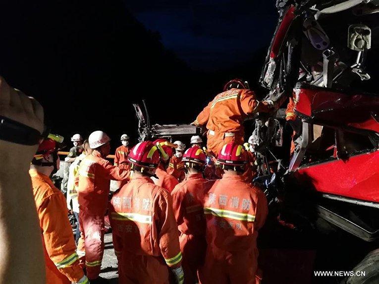 Масштабная авария с участием автобуса в Китае
