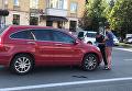 Неизвестный напал на авто киевлянки