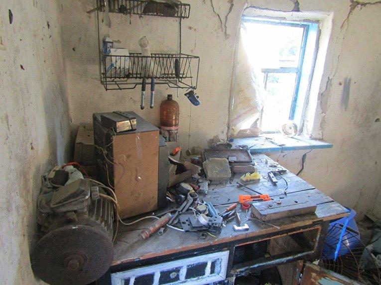 В Станично-Луганском районе травмирован 15-летний парень, который пытался разобрать патрон
