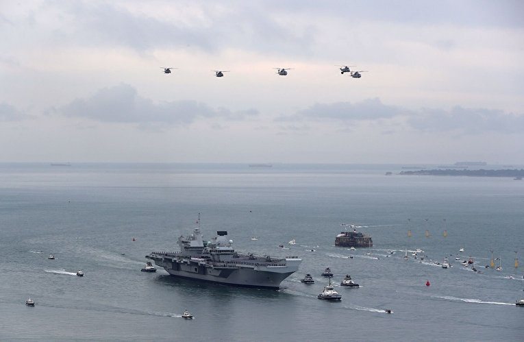 Новый авианосец британского флота Queen Elizabeth прибыл в Портсмут