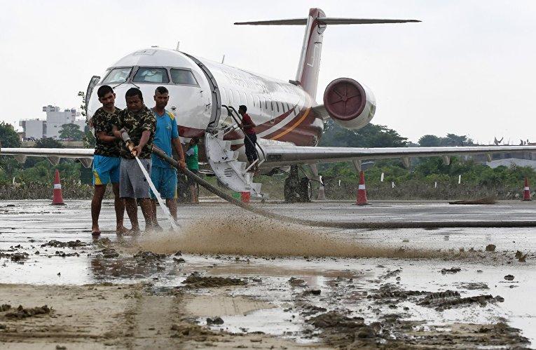 Ликвидация последствий наводнения в Непале
