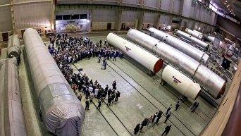 Южмаш. Цех по сбору ракетных двигателей. Архивное фото