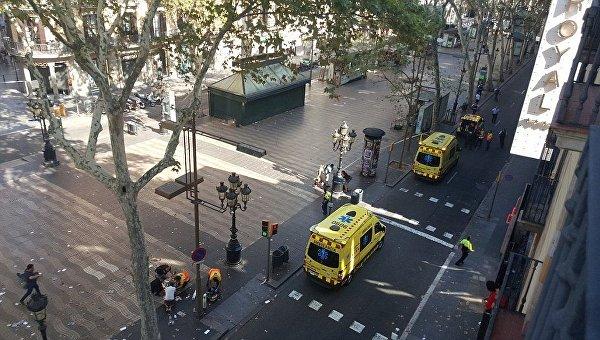 Теракт в Барселоне. Водитель сбившего людей фургона остается на свободе