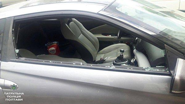 В Полтаве женщина закрыла в машине маленького ребенка при 33 градусной жаре