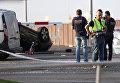 Полиция на месте теракта в Камбрильсе, к югу от Барселоны