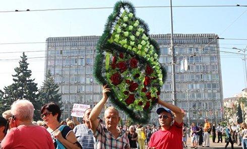 Противники строительства кладбища перекрыли движение в центре Винницы