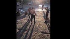 Чемпиона мира по пауэрлифтингу Андрея Драчева убили возле хабаровского кафе. Видео