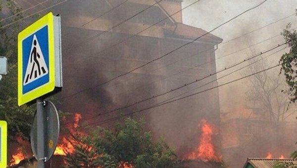 Пожар в частном секторе Ростова-на-Дону