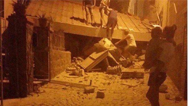 Последствия землетрясения на итальянском острове Искья