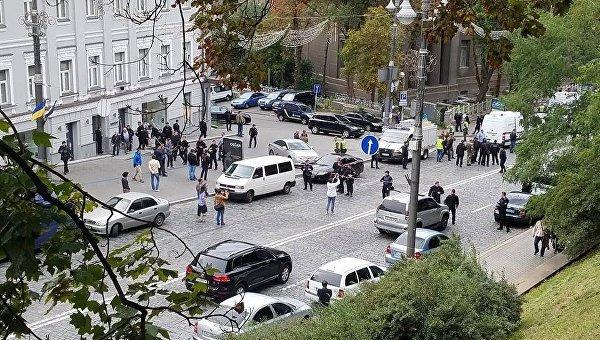 В Киеве возле здания правительства произошел взрыв