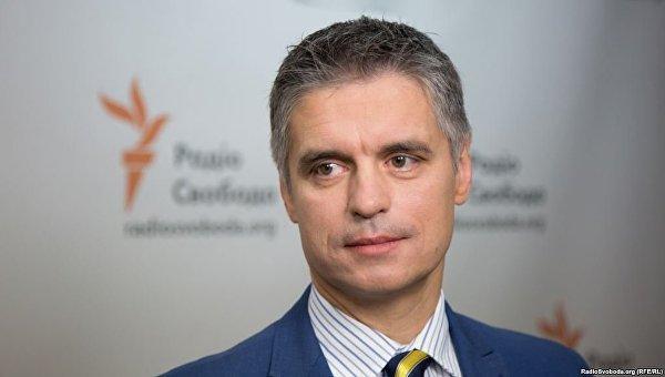 Порошенко иГройсман поздравили украинских авиаторов спрофессиональным праздником