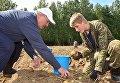 Лукашенко с сыном выкопал 105 тонн картошки
