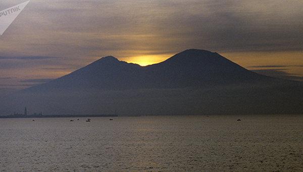 Вулканы на Флегрейских полях в Италии