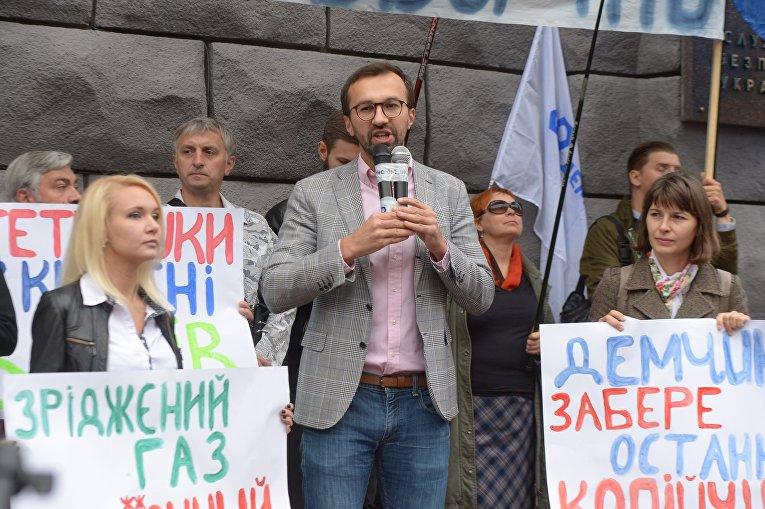 Подорожание автогаза: в Киеве пикетируют СБУ