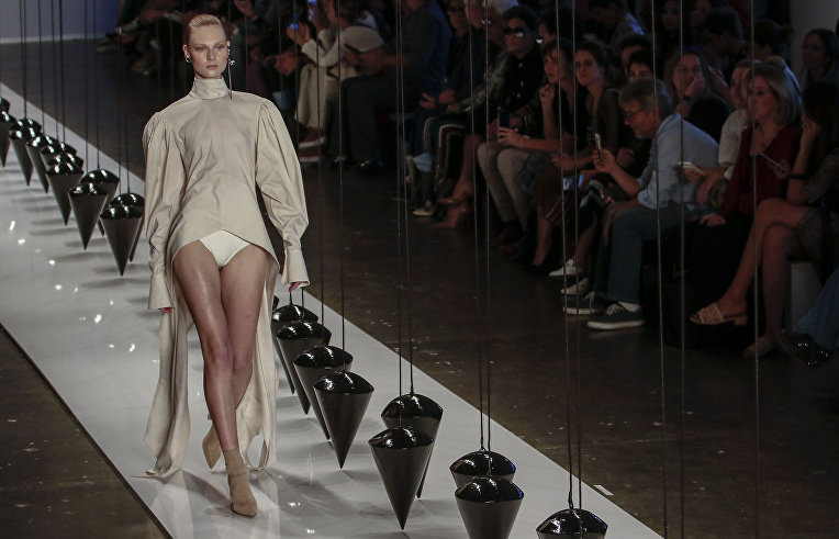 ec78276f13a0 Пляжная мода Латинской Америки на San Paulo Fashion Week   РИА ...