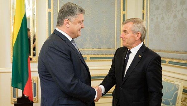 Президент Украины Петр Порошенко и спикер сейма Литвы Викторас Пранцкетис