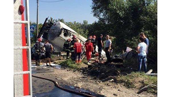 ВТернополе фургон столкнулся счетырьмя автомобилями