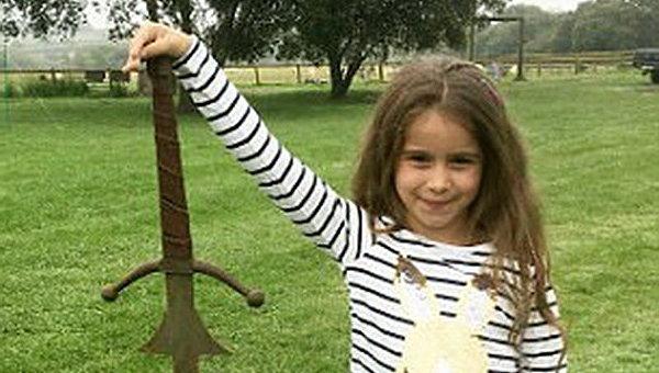 Британская школьница отыскала «меч короля Артура»