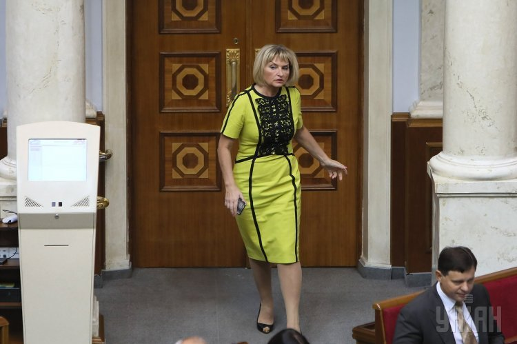 Народный депутат Ирина Луценко во время торжественного открытия седьмой сессии Верховной Рады Украины VIII созыва, в Киеве, 5 сентября 2017 г.