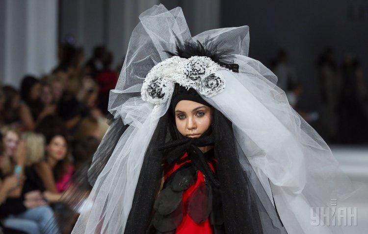 Показ коллекции одежды от Лии Хмары