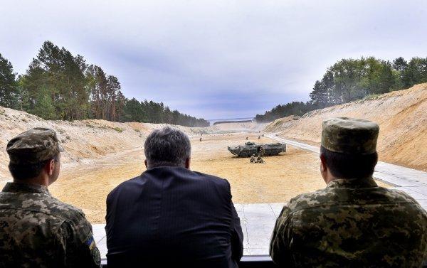 Порошенко посетил воинскую часть ГУР по случаю 25-летия создания военной разведки Украины