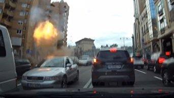 Момент взрыва автомобиля в центре Киева