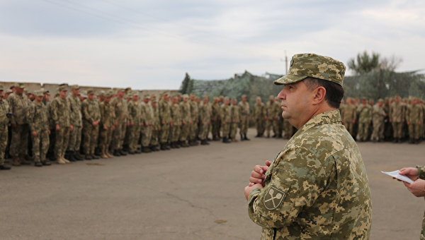 Министр обороны Степан Полторк на встрече с военнослужащими из зоны АТО