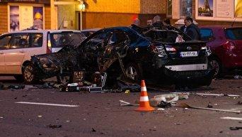 На месте взрыва автомобиля в центре Киева, в котором погиб гражданин Грузии Тимур Махаури, 8 сентября 2017
