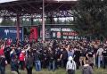 К нам едет Саакашвили. Полиция взяла в кольцо группу людей в камуфляже. Видео